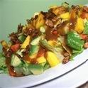 salada de alface com abacate, mamão e manga