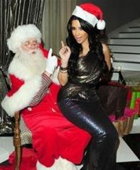 Kim Kardashian e papai noel-250