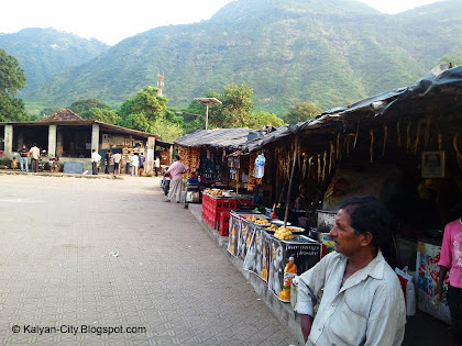 Tea stalls at haji malang