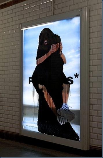 Princess Hijab, l'artista che mette il velo alle pubblicità5