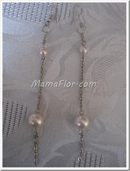 Aretes largos con perlas y cadena