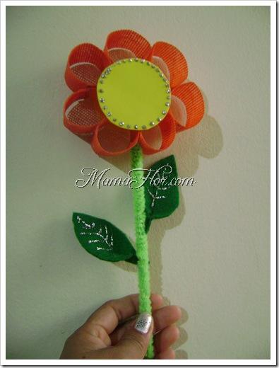 Regalale una bella flor a mama en su dia