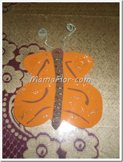 Como hacer una mariposa de fomys para decorar el aula
