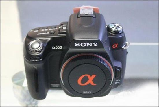 Sony α550