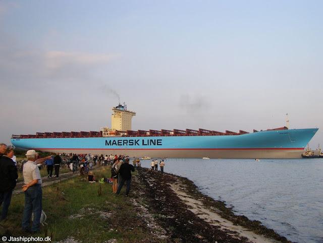 http://lh6.ggpht.com/_iRCt-m6tg6Y/SYx14SfgqVI/AAAAAAAADuU/lA24OedVkQg/s640/kapal-terbesar-08.jpg
