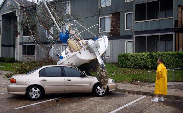 ike 12 Bencana Topan Badai Terdahsyat