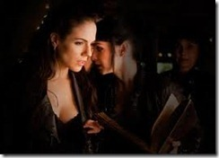 Lost Girl (2010)2