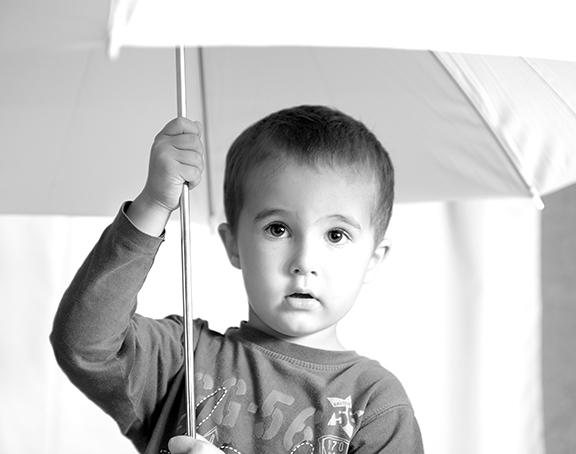 мальчик зонт boy umbrella