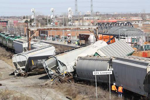 033010-Train-Derailment-012a.jpg