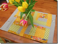 tulips of new table runner2 011