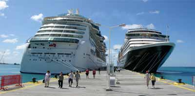 ships-docked-st-maarten.jpg