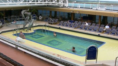 05-empty-pool-area.jpg