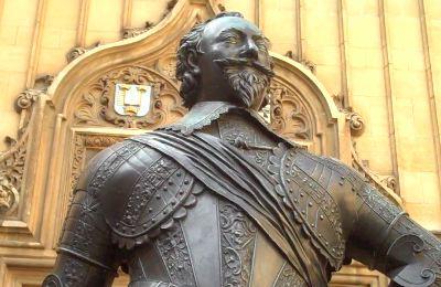 William-Herbert-statue.jpg