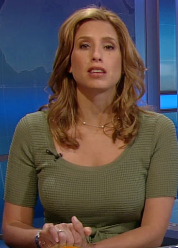 news babes  the weather channel u0026 39 s hottie