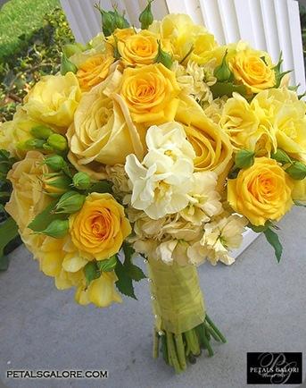 bouquet-183-lg petals galore