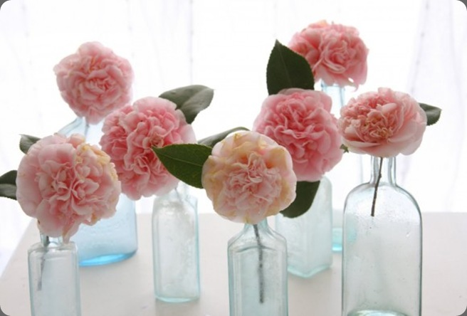 pink-rose-centerpieces-budget-friendly-centerpiece-ideas-580x386 the sweetest occasion