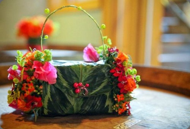 flower-purse-with-fushia-orange-and-chartreuse-flowers-Vista-Hills-Françoise-Weeks
