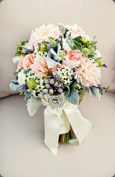 ErinDan_SaltwaterFarmVineyard_AnnaSawinPhoto_069 hana floral design