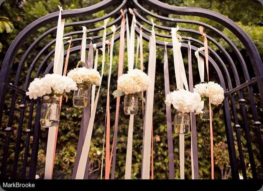 Schaniel_Rains_MarkBrooke_006MarkbrookeAlexBeau_low fantasy floral designs