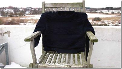 Udmattet-sømandssweater-på-