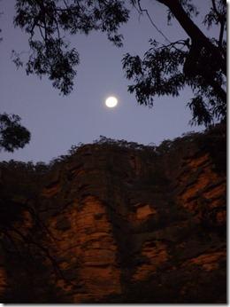 072 full moon rising