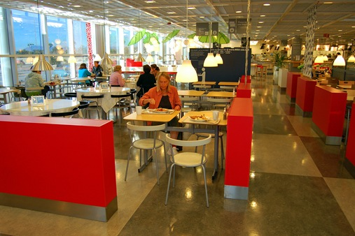 BIG BREAKFAST IN THE IKEA STORE