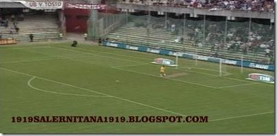 ROBERTO MERINO DA CENTROCAMPO SALERNITANA 1919SALERNITANA1919 SALERNITANA1919 (4)