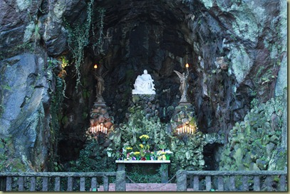 Grotto 016
