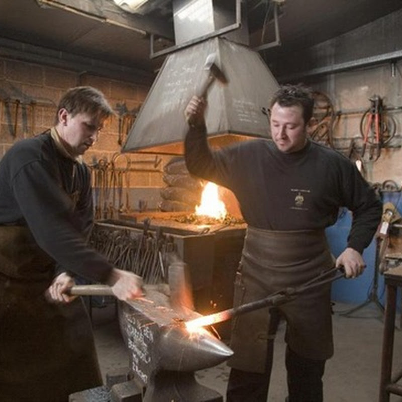 Artist Blacksmiths – The Artisanal Forge Dujardyn Artconcept from Belgium