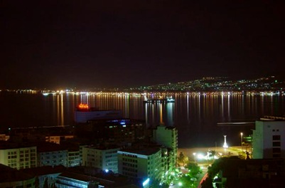 2104736-KARSIYAKA_BY_NIGHT_FROM_HILTON-Karsiyaka