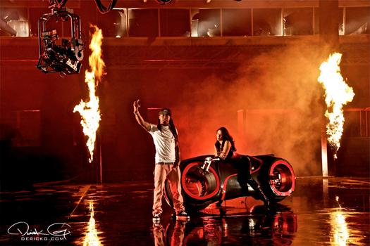 Foto da gravação do vídeo clipe Fire Flame Remix