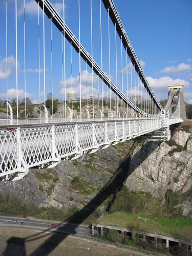 http://lh6.ggpht.com/_jtvOCEq74z4/TH6yi6p88FI/AAAAAAAAAF0/VFuyZVUnWfA/clifton-suspension-bridge-bristol-gben440.jpg