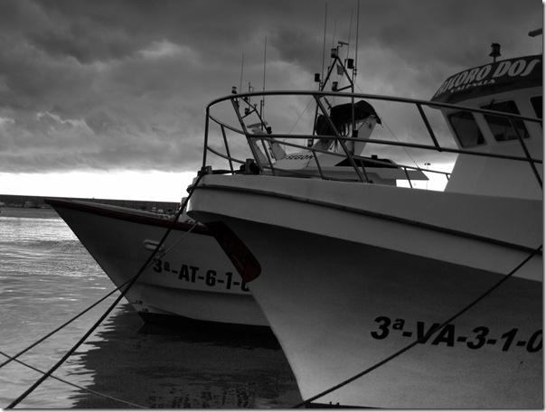 Barcos amarrados = adultos sin ilusiones