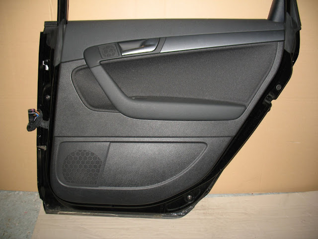 audi a3 8p sportback t rverkleidung hinten rechts ebay. Black Bedroom Furniture Sets. Home Design Ideas