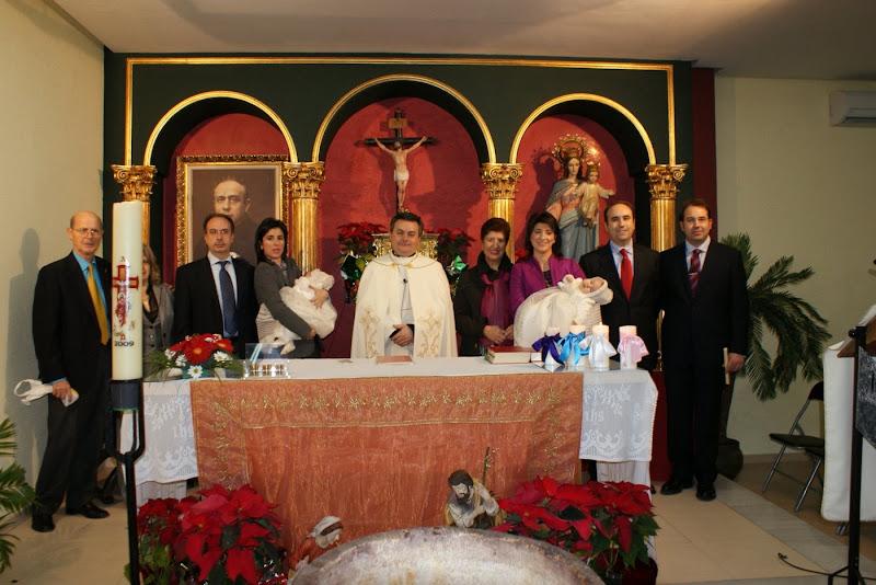 Ángela y Juan Antonio son los dos últimos niños bautizados en nuestra Parroquia. En total han sido bautizados 45 desde enero a diciembre de 2009