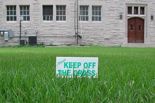 2010.08.02_Grass_Keep_Off