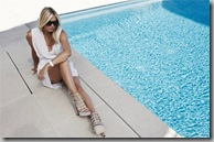 maria_sharapova_tag_heuer_sunglasses_pool_side