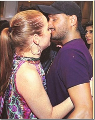 Harbhajan Singh-dating-cheerleader