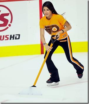 Philadelphia Flyers Ice Girls 2
