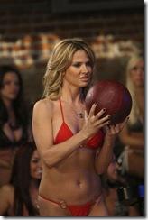 bikini-bowling-10