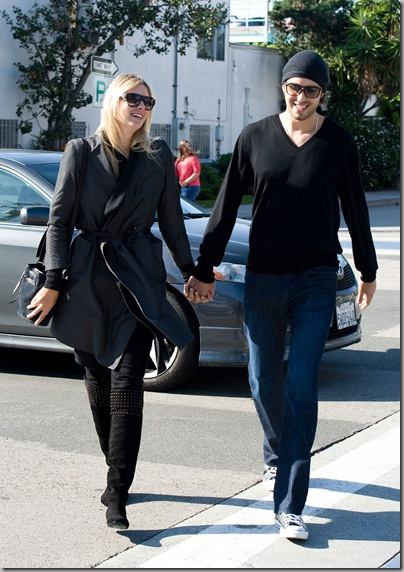 Maria Sharapova And Fiance Sasha Vujacic Love Birds In Los Angeles  3