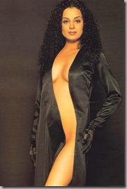 Kangna Ranaut..topless