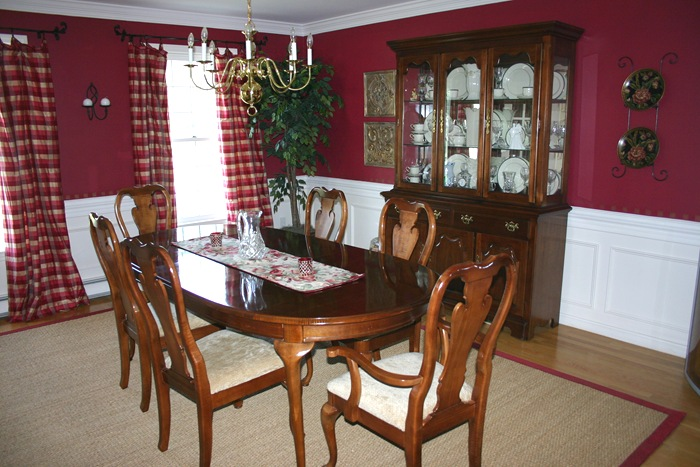 Favorite paint colors march 2011 for Burgundy dining room ideas