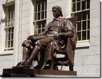 John_Harvard_statue_at_Harvard_University