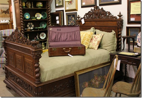 FM carved antique bed