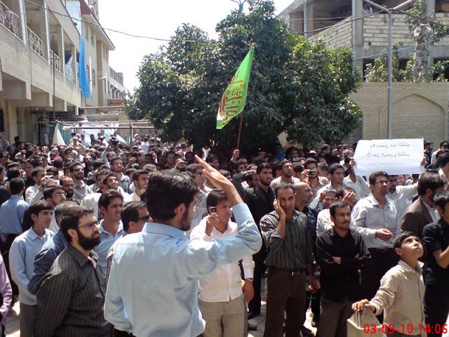 تحصن آرام روزه داران شیرازی در مسجد قبا در اعتراض به سخنان اخیر علی محمد سربی(دستغیب)
