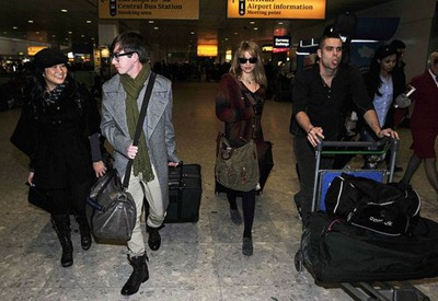 Glee-group-london-airport