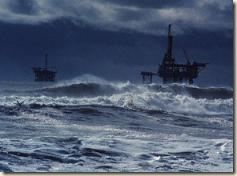 oil_platform_storm[1]