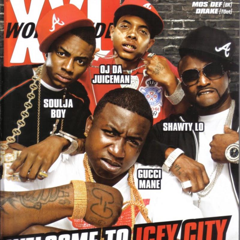 DE AFARA: XXL (coperta iulie 2009)