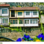 Yalıboyunda tarihi evler pansiyon ve otel haline gelmiş